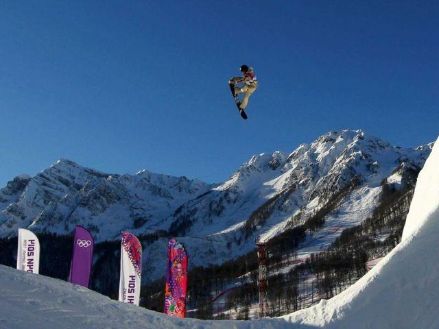 スノーボード男子スロープスタイルの優勝者 セージ・コッツェンバーグ(米)の華麗な演技