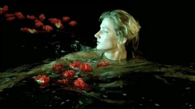 『数に溺れて』のプールシーン