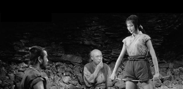 (左から)六郎太、雪姫