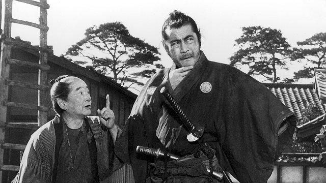 かっこいい三船敏郎。左は沢村いき雄。